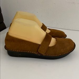 Alegria brown suede leather Mary Janes shoes Sz 8